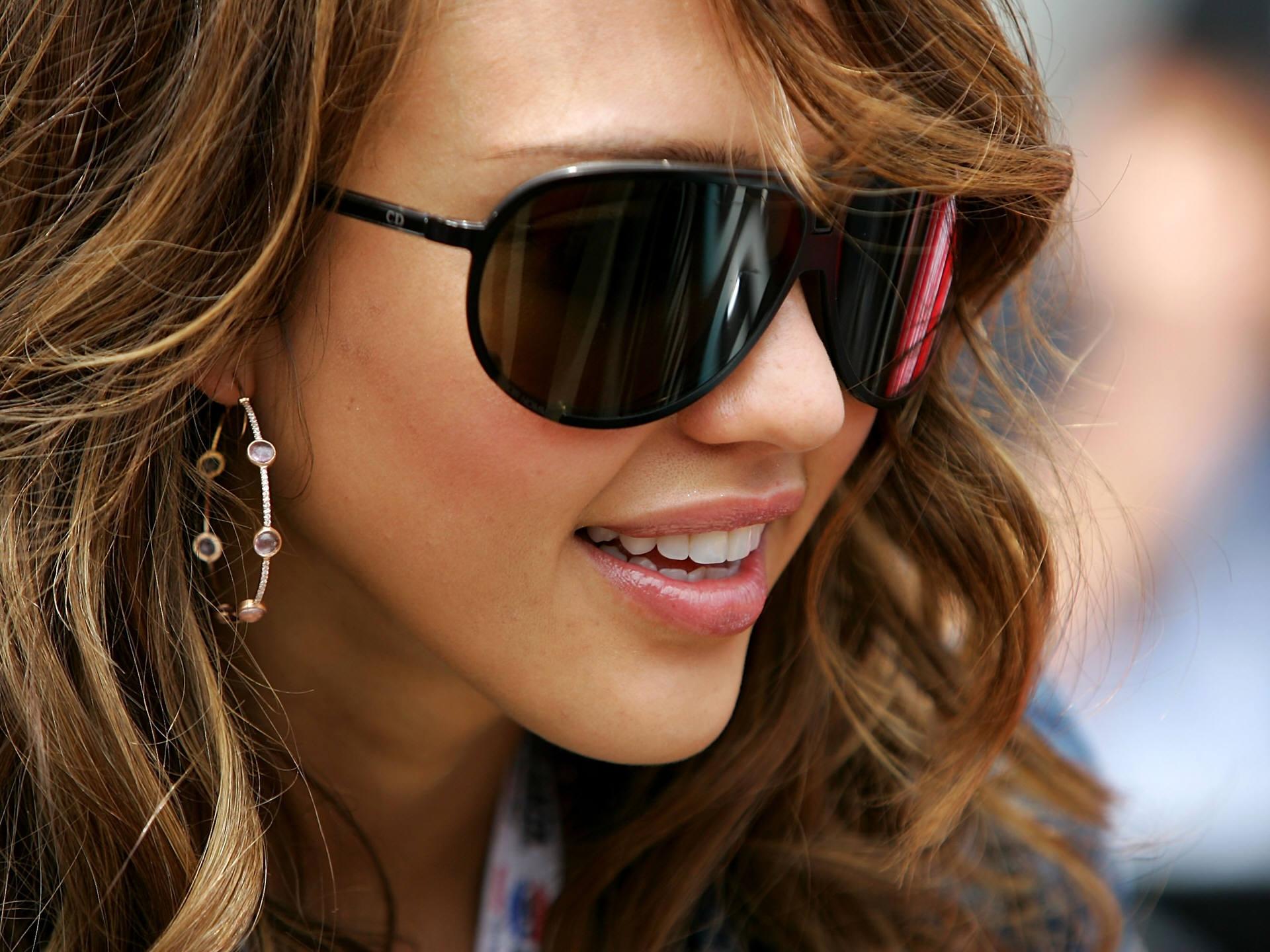 sunglassezs
