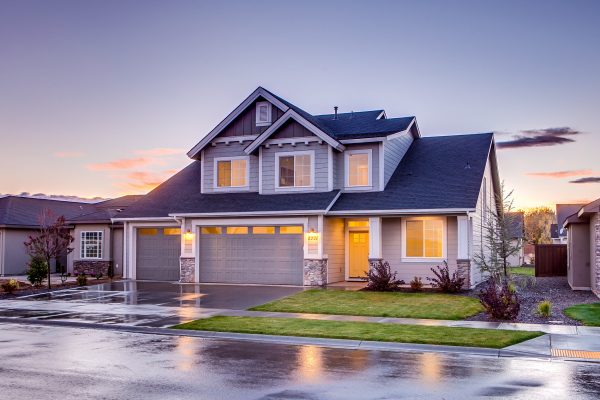 The Homeowner's Guide to Working With Roofers
